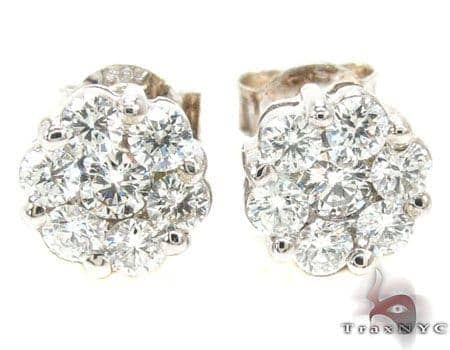 VS1 Round Cut Stud Earring Stone