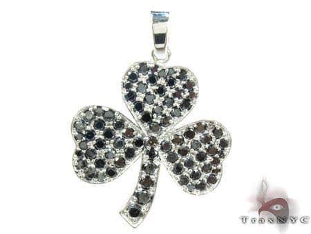 White Gold Round Cut Prong Black Diamond Clover Pendant Stone