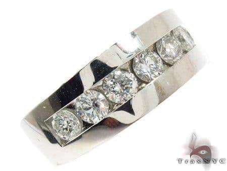 Gorgeous Eight Stone Channel Set White Gold Wedding Ring Stone
