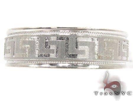 Mens Elegantly Designed White Gold Wedding Ring Style