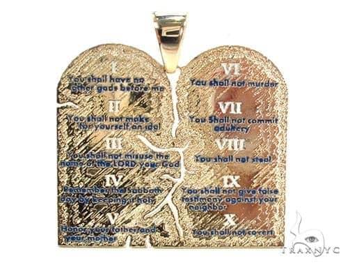 18K Gold Custom Decalogue Pendant Metal