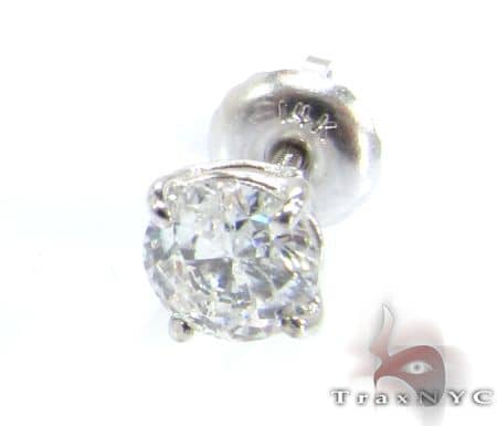 Classic Single Stud E Color VS2 Clarity Stone